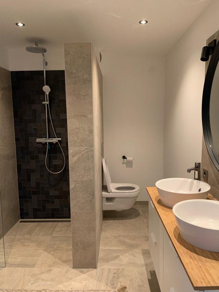 Wens Was Een Kleine Badkamer Groot Te Laten Lijken